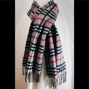 Burberry of London cashmere tartan plaid scarf